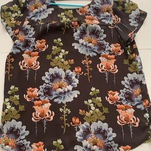 Crossback Tulip Sleeve Floral Blouse